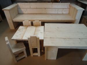 steigerhout loungebank tuintafel tuinkast kinderzitje