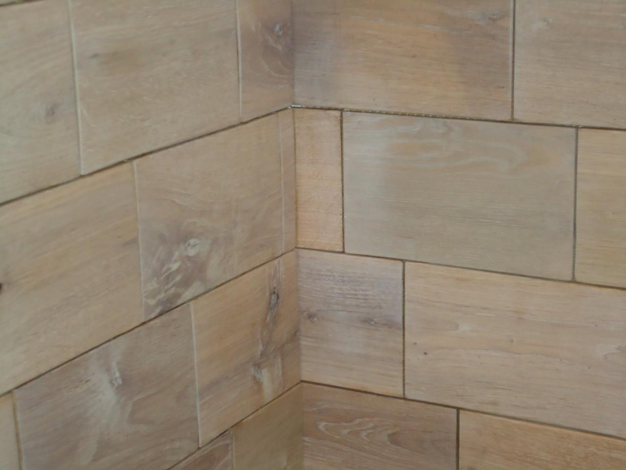 Houten tegel lambrisering - Tegel badkamer hout ...