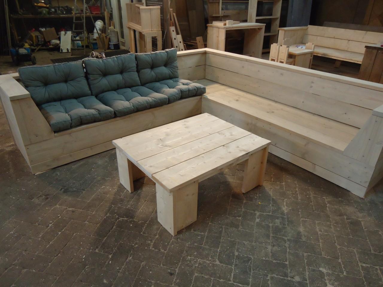 Buiten meubels for Steigerhout tuinmeubelen zelf maken