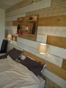 visgraatvloer houtenwand wandbord