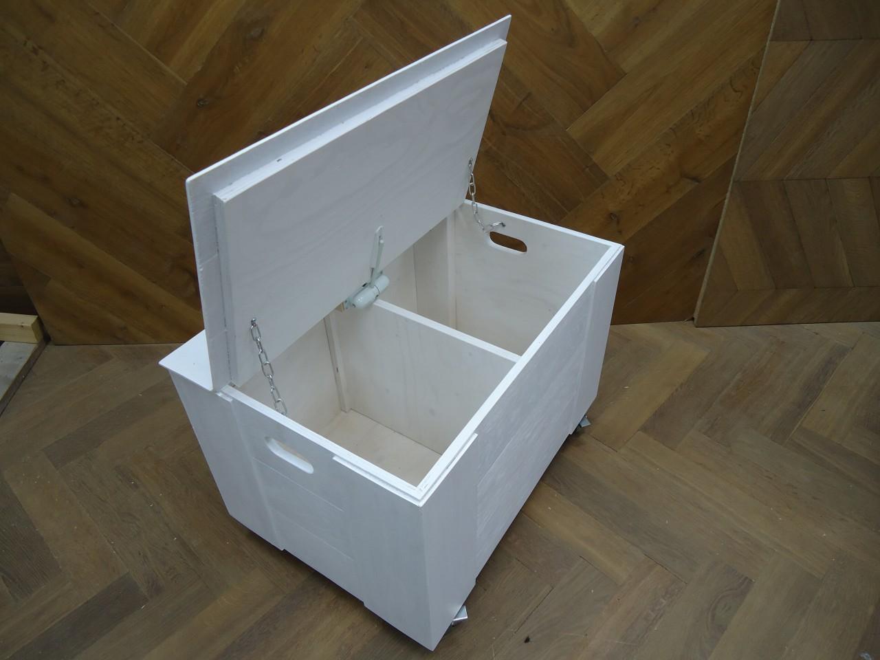Mooie Houten Box.Mooie Witte Speelgoedkist Met Veel Opbergruimte Valbeveiliging En